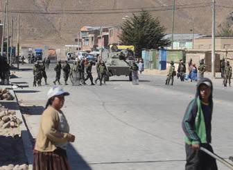 Aduana contrabandistas entierran sus veh culos para for Garajes metalicos en bolivia